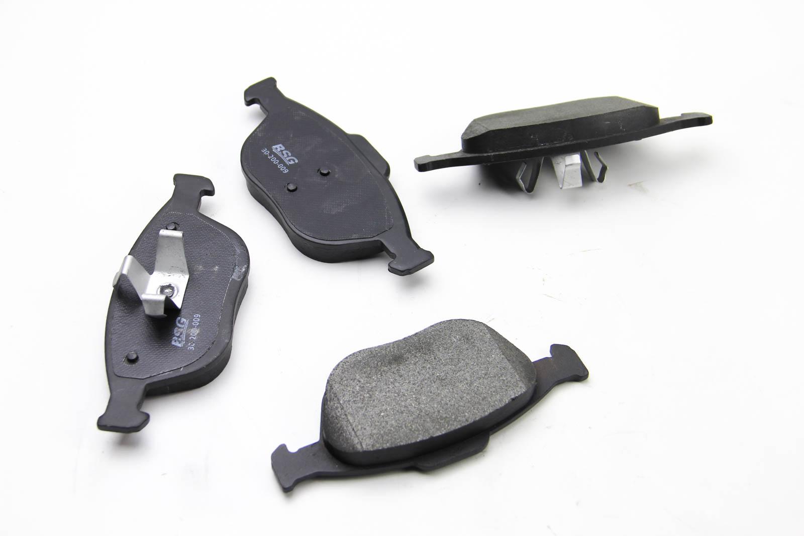 Комплект тормозных колодок, дисковый тормоз BSG BSG 30-200-009
