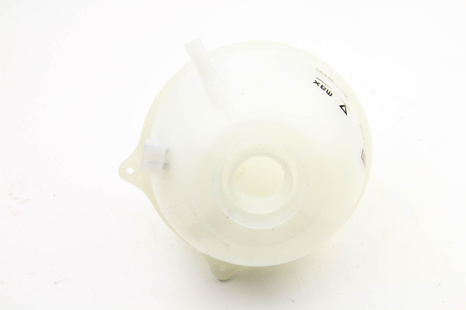 Компенсационный бак, охлаждающая жидкость